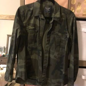Abercrombie & Fitch Camo Button Up